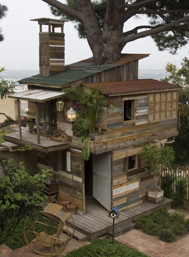Ethan Hayes Chute (Tree)House of Hy u00e8res # Poulailler En Bois De Palette